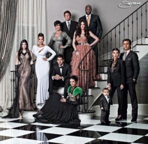 kardashian-jenner-christmas-card-family-portrait-nick-saglimbeni-kim-kylie-khloe-kourtney-kendall-kris-rob-492x480