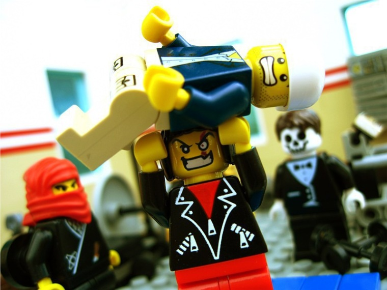 LegoZombieLifting